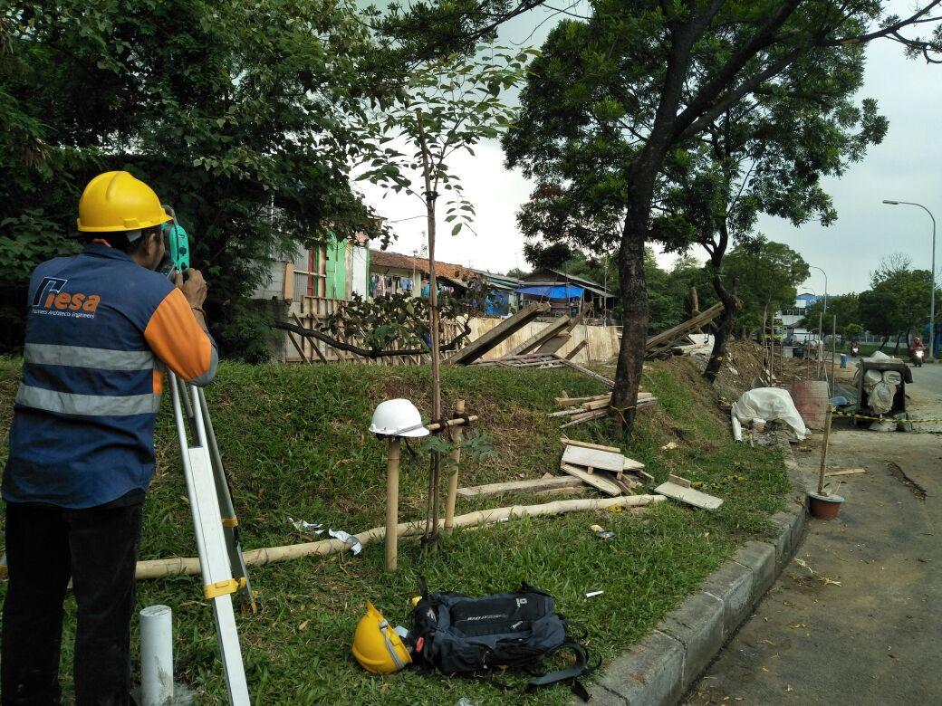 Analisis Stabilitas Dan Desain Struktur Saluran Beton Maindrain