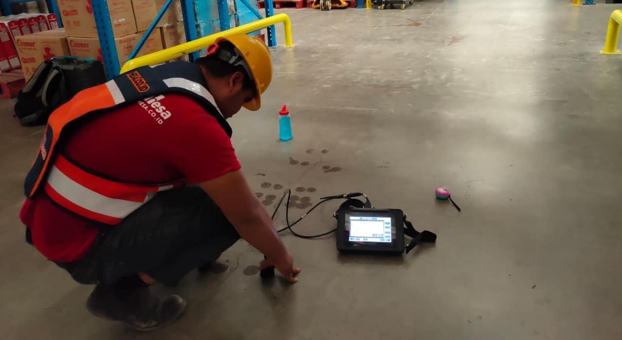 Pengujian Ultrasonic Pulse Velocity setelah grouting di MM2100 Cikarang 2